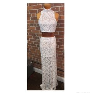 Dresses & Skirts - Two piece white lace